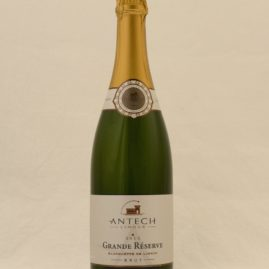 Grande Réserve är en vit, torr, mousserande Blanquette de Limoux. Ett lättdrucket bubbel som passar till det mesta.